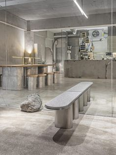 The Seoul café scene is going so fast that this designer figured out a way to go slow - News - Frameweb Coffee Shop Interior Design, Coffee Shop Design, Cafe Design, Store Design, Seoul Café, Interior Architecture, Interior And Exterior, Retail Interior, Café Bar
