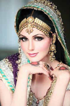 Bridal Face Makeup For Beautiful Bride Indian Makeup, Indian Beauty, Arabic Makeup, Dulhan Makeup, Pakistani Bridal Makeup, Braut Make-up, Asian Bridal, Exotic Beauties, Bride Makeup