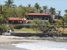 VRBO.com #411645 - 7 Bedroom Beachfront Vacation Home -- Casa De La Playa