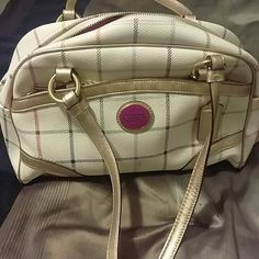 Coach bag Cream leather bag. Pink cloth interior with 1 inside zipper pocket and 2 pockets on outside of bag Coach Bags Totes
