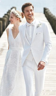 2015 italian gold embroidery white wedding suit for men stand collar mens suits bridegroom one button three piece suit (jacket pants vest). bridegroom (jacket pant tie vest) 1 best service with high q. Suits Men White Wedding Suit For Men White Wedding Suits For Men, White Tuxedo Wedding, Beach Wedding Suits, Groom Tuxedo Wedding, All White Wedding, Wedding Attire, Wedding Dresses, Man Suit Wedding, Mens White Suit