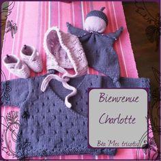 Kit de naissance : brassière, chaussons, béguin et doudou