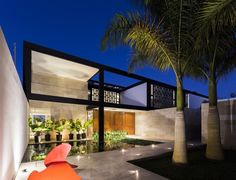 Montebello 321 / Jorge Bolio Arquitectura