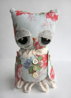 owl with thoughtful obvious stitching that lend character to the.Vintage looking owl with thoughtful obvious stitching that lend character to the. Fabric Crafts, Sewing Crafts, Sewing Projects, Owl Wings, Do It Yourself Inspiration, Owl Always Love You, Owl Crafts, Little Owl, Cute Owl