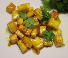 Heres a delicious party appetizers recipe that you can make for your weekend party- Paneer in the lemon honey sauce. Its a quick simple and delicious dish with the tangy flavour of lemon and sweetness of honey tossed with paneer. Recipe by Karthika.