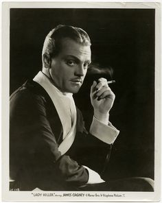 """James Cagney, great acto & dancer, won an Oscar for best actor in """"Yankee Doodle Dandy"""" Hollywood Men, Hollywood Icons, Golden Age Of Hollywood, Vintage Hollywood, Hollywood Stars, Classic Hollywood, Vintage Vogue, Classic Film Noir, Classic Films"""