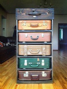 Almacenaje con viejas maletas