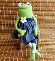 sock animal, frog, Chelsea.