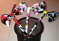 Duct tape bow pen - these are amazing!!!! @Ashley Walters Walters Walters Walters Hardaway we need to make these!