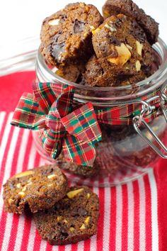 Maalahden limpun joulu cookies n. Cereal, Cookies, Breakfast, Food, Biscuits, Morning Coffee, Meal, Essen, Hoods