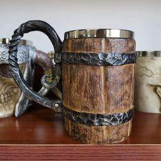 Original Viking Drinking Mug – Proud Raven Viking Shield, Viking Runes, Bussola Viking, Viking Drink, Mug Original, Viking Shop, Vikings Tv Show, Viking Beard, Vegvisir
