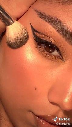 Edgy Makeup, Makeup Eye Looks, Eye Makeup Art, Pretty Makeup, Skin Makeup, Eye Makeup Designs, Glamour Makeup, Basic Makeup, Makeup Dupes
