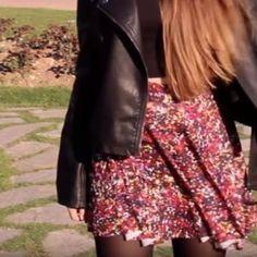 como hacer una falda circular para niña Ideas Para, Sequin Skirt, Sequins, Floral, Skirts, Outfits, Ideas Bautizo, Confirmation, Hello Kitty