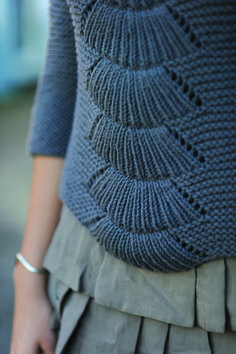 camilla pullover    DESIGNED BY:   carrie bostick hoge