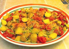 """""""mama's chicken and potatoes"""" from kitchen boss! i made this dish for dinner for my family and it was bellisimo! Italian Recipes, New Recipes, Cooking Recipes, Favorite Recipes, Kitchen Boss, Cake Boss Recipes, Grapefruit Recipes, Buddy Valastro, Recipes"""