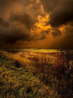 Gathering Storm, Ft. Atkinson, Wisconsin  photo via pumpkin