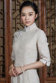 13143977718_retro_chinese_cheongsam_elegant_light_khaki_qipao_-_blooming_narcissus_5.jpg (750×1113)