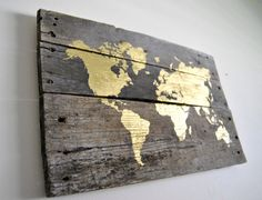 Gold World Map Pallet Wood Sign by theheartsandcrafts on Etsy Wood Pallet Signs, Wood Pallets, Wood Signs, Arte Pallet, Pallet Art, Wood Projects, Woodworking Projects, Decoration Palette, Gold World Map