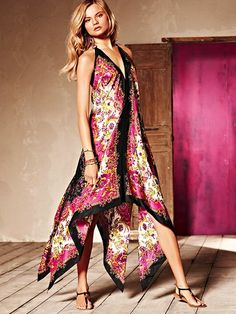 Scarf-print Dress....Easy Peasy...TWO large scarves very little stitching, or you can iron in a seam with stitch witchery!