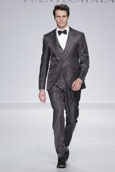 Trajes de novio  La línea más vanguardista de la colección 2014 de  Fuentecapala Man Dressing 46c7e8a6180