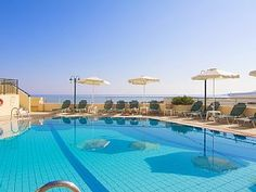 Beach Apartments & amp; basseng, 400 m. fra en nydelig sandstrand og 100 m fra butikker!Feriehus i Sfakaki fra @homeaway! #vacation #rental #travel #homeaway