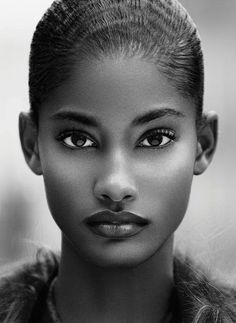 22+ Beautiful People Photography is Taken in Close Up