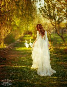 "gardenofelegance: "" Garden of Eleganceಌ "" Bridal Pictures, Girl Pictures, Angel Aesthetic, Lovely Girl Image, Disney Princess Pictures, Vintage Princess, Beautiful Fantasy Art, Fantasy Dress, Digital Art Girl"