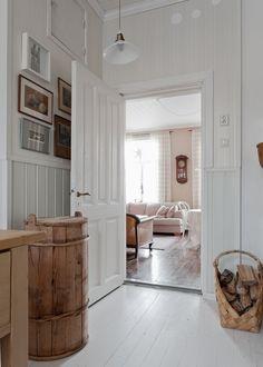 uploaded by cyndi Johnson House, Swedish Interiors, Cottage Homes, Cottage Farmhouse, Cottage Renovation, Swedish House, Dream Decor, House Rooms, Interior Design Inspiration