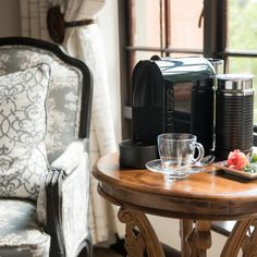 #boutiquehotel #hotelroom #luxury #nespresso #luxurylifestyle #travel