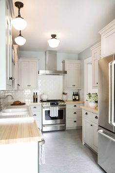 This Kitchenu0027s Well Crafted Interior Features Traditional Design, And Custom  Details. The Houses