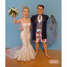 esculturas caricaturas e noivinhos personalizados em biscuit Flávia Pina ng082 Surfista Hawai