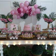 "1,595 Me gusta, 23 comentarios - Corujices SA Festas (@corujicessa) en Instagram: ""Apaixonada pela festa da Giovanna!!!Faria essa festa para mim! Os Flamingos seguem em alta! Mas…"""