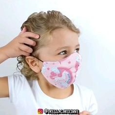 Easy Face Masks, Diy Face Mask, Diy Sewing Projects, Sewing Hacks, Sewing Tutorials, Scrap Fabric Projects, Craft Tutorials, Mouth Mask Design, Hand Embroidery Videos