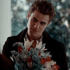 Paul Wesley Vampire Diaries, Vampire Diaries Poster, Vampire Diaries Stefan, Vampire Diaries Wallpaper, Vampire Diaries Seasons, Vampire Diaries Funny, Vampire Diaries Cast, Vampire Diaries The Originals, Stefan Tvd