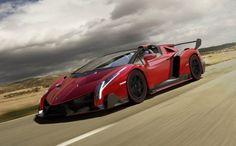 Imágenes del Lamborghini Veneno Roadster, un misil color Rosso Veneno