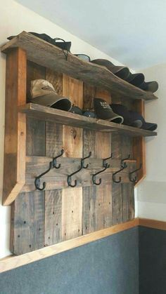 Storage for hats n coats from pallets.