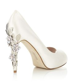 Harriet Wilde's ivory satin Sakura peep toe pump #bridal #shoes #heels