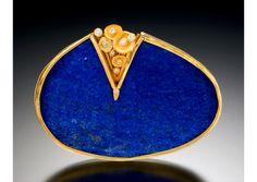 Judith Kaufman: Brooch, gold, lapis & diamonds. Matthew Feldman Gallery
