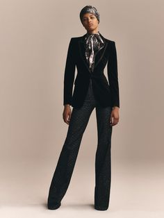 Zendaya x Tommy Hilfiger Fall 2019 Collection # - corporate attire women Corporate Attire Women, Business Casual Dresses, Business Attire, Business Outfits, Zendaya, Workwear Fashion, Suit Fashion, Girl Fashion, Couture Fashion