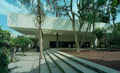 Biblioteca Universidad Pontificia Sidewalk, Public, Community, Modern Architecture, Design Ideas, Interior Design, Universe, Trendy Tree, Projects