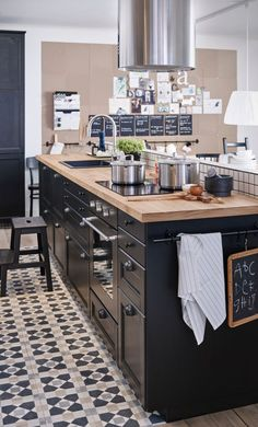 23 Ideas for kitchen renovation white ikea cabinets Black Kitchens, Cool Kitchens, Ikea Kitchens, Modern Kitchens, New Kitchen, Kitchen Decor, Kitchen Small, Kitchen 2016, Kitchen Chairs