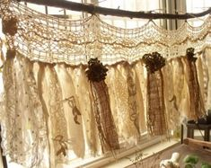 This Custom Rustic Romantic ANTIQUE Lace Kitchen Valance Shabby is just one of the custom, handmade pieces you'll find in our window treatments shops. Shabby French Chic, Shabby Chic Rustique, Shabby Chic Français, Shabby Chic Kitchen Curtains, Shabby Chic Romantique, Shabby Chic Garland, Shabby Chic Bedrooms, Shabby Chic Homes, Rustic Chic