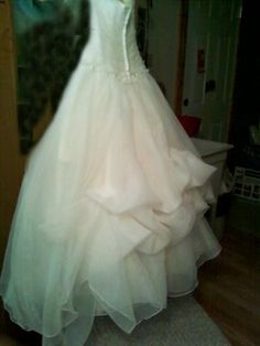 Diy french bustle tutorial lots of pics wedding 1 point 3 point organza dress bustle trouble weddings beauty and attire style and decor do wedding dress bustlewedding beauty diy solutioingenieria Image collections