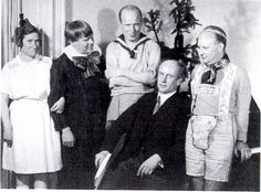 On 25th Jan. 1933 Berta Geissmar (personal assistant), Edwin Fisher, Georg Kulenkampf, Paul Hindemith celebrate Furtwangler's 47th birthday