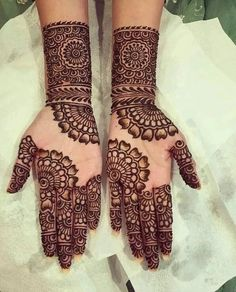 It is not easy to find out latest mehandi designs or new henna designs specially. It is not easy to find out latest mehandi designs or new henna designs specially when internet is f Henna Hand Designs, Mehndi Designs Finger, Mehndi Designs For Girls, Mehndi Designs For Beginners, Stylish Mehndi Designs, Wedding Mehndi Designs, Mehndi Design Pictures, Beautiful Henna Designs, Latest Mehndi Designs