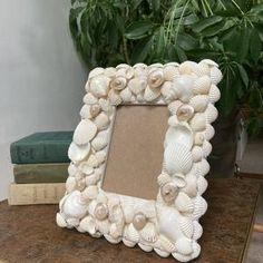 Seashell Ornaments, Seashell Crafts, Glass Ornaments, Seashell Picture Frames, Seashell Frame, Christmas Decorations, Christmas Ornaments, Coastal Decor, Diy Gifts