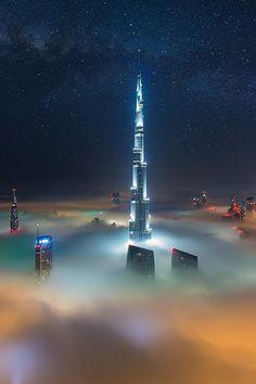 Amazing Buildings, Amazing Architecture, Abu Dhabi, Places To Travel, Places To See, Photo Voyage, Cloudy Nights, Dubai City, Dubai Uae