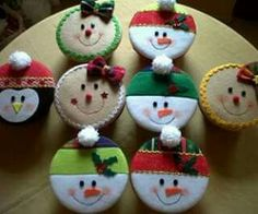 Christmas Baubles, Christmas Tree Ornaments, Christmas Decorations, Holiday Decor, Christmas Crafts For Kids, Homemade Christmas, Christmas Ideas, Felt Projects, Felt Animals