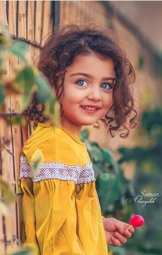 Image may contain: 1 person, standing, child and outdoor Cute Kids Pics, Cute Baby Girl Pictures, Cute Girl Photo, Cute Little Baby Girl, Beautiful Little Girls, Sweet Girls, Beautiful Life, Aya Sophia, Erwarten Baby