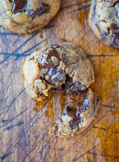 Peanut Butter Chocolate Chunk Cookies - No Flour or white sugar